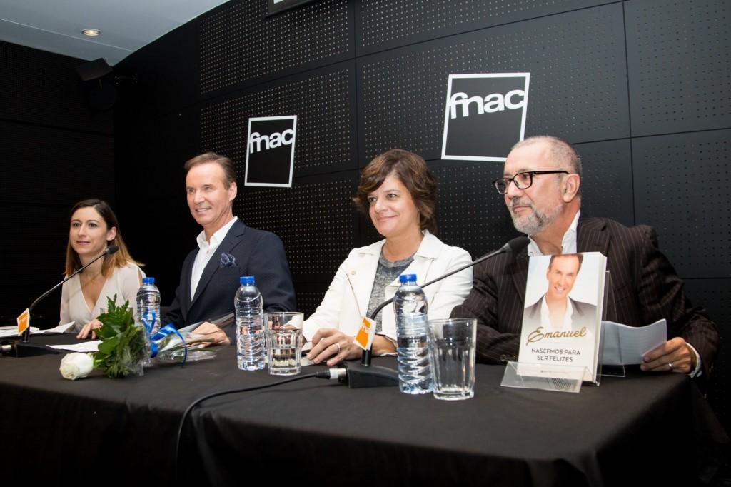 Da esq. para dir.: A minha biógrafa Elizabete Agostinho, a Júlia Pinheiro e o diretor da Editora Guerra e Paz, Manuel da Fonseca.